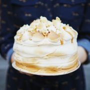 Банановый торт с соленой карамелью 2