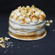 Банановый торт с соленой карамелью 4