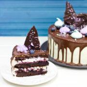 Шоколадно - черничный торт