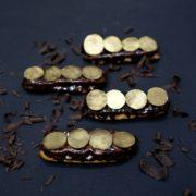 эклеры шоколад-маракуйя