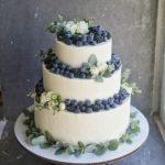 Свадебный торт с ягодами на заказ москва