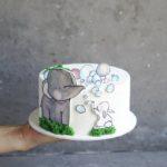 детский торт со слоником и зайкой на заказ москва