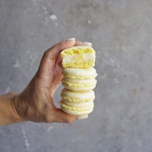 лимонные макарунсы купить в москве