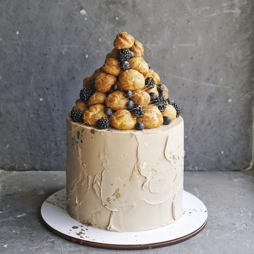 Торт на заказ индивидуальный декор москва