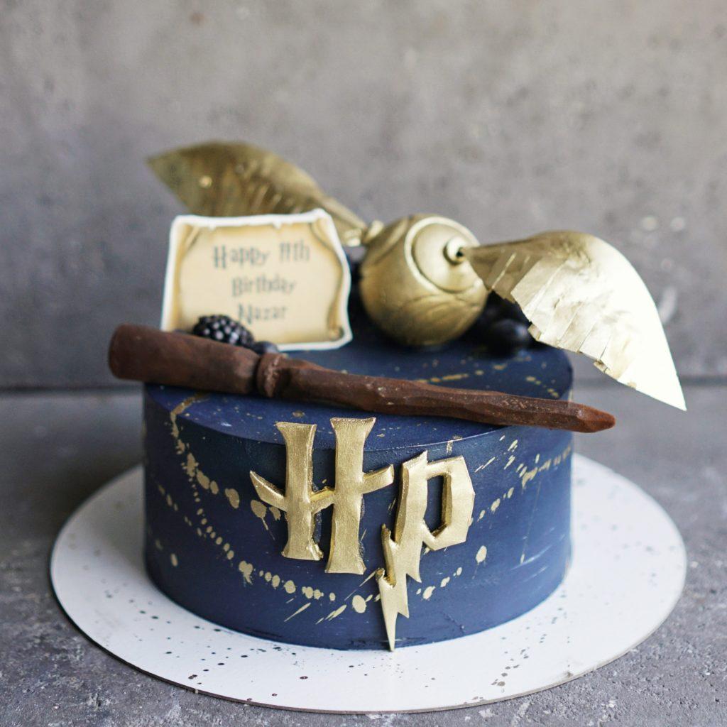 Торт Гарри Потер со снитчем моква